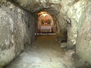 Tufo (AV), 2007, Chiesa - Grotta di San Michele.