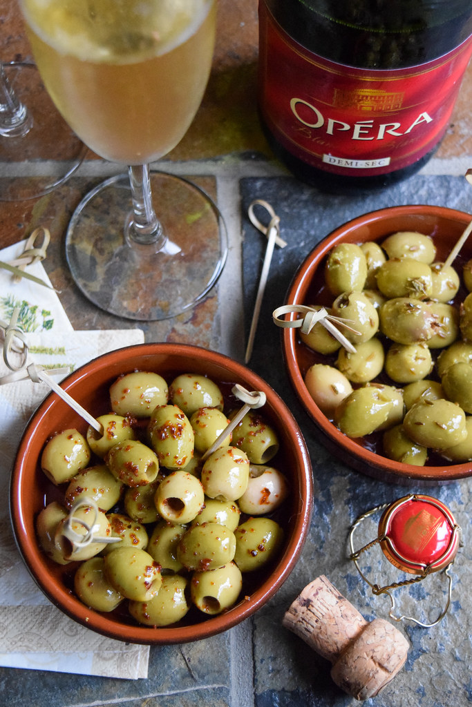 How To Marinate Your Own Olives This Christmas