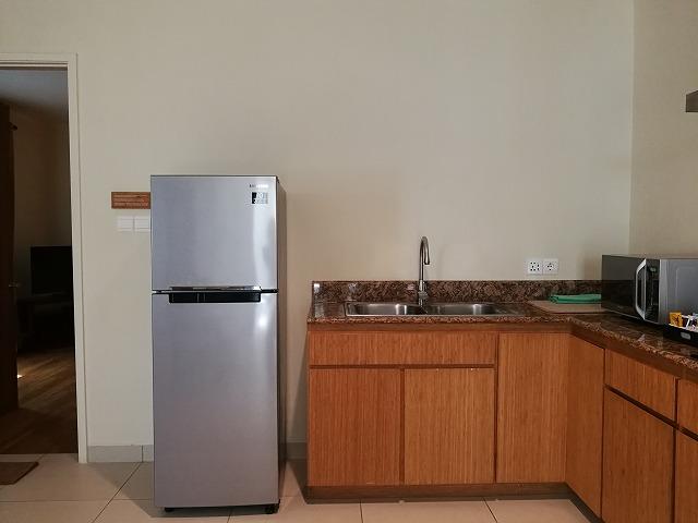 <p>冷蔵庫も大きい</p>