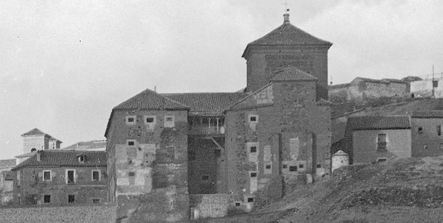 Convento de San Gil en 1905. Detalle de una foto de Serafín Mainou. Colección de Juan Modolell.