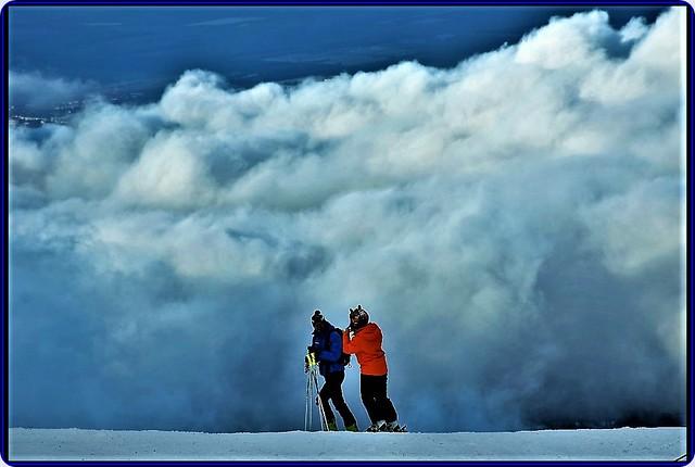 Postavaru mountains,Romania: Ski over the clouds