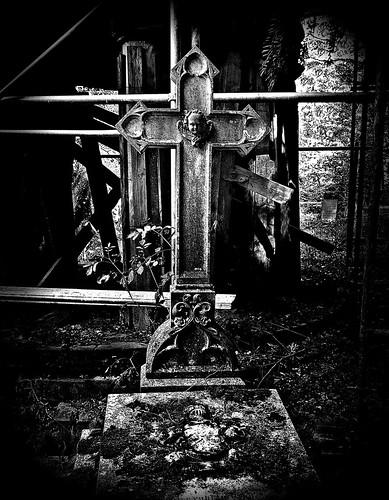 Grab auf dem Familienfriedhof Schloss Frankenberg bei Weigenheim im südlichen Steigerwald