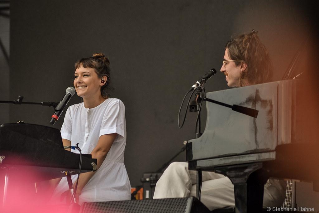 Mallu Magalhães e Tim Bernardes no Popload Festival 2018