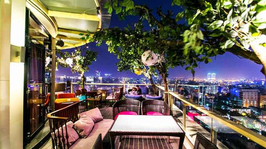 The roofto bar hanoi
