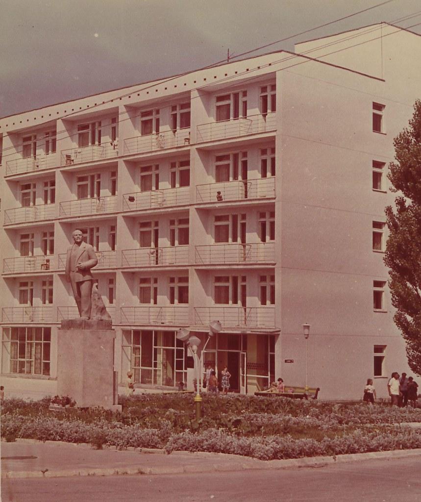 Краснодарский край. Курорт Геленджик. Корпус пансионата «Кавказ»