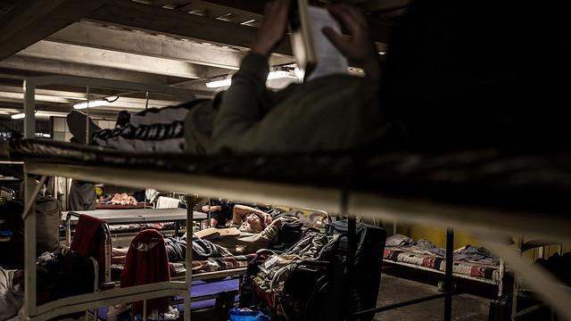 Aki szállóra küldené a hajléktalanokat, próbáljon meg húsz emberrel együtt aludni