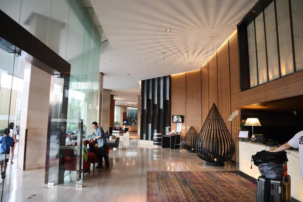 Anantara Sathorn Bangkok Hotel (1)