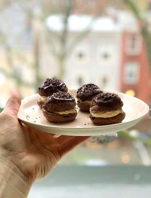 chocolate cream puffs with mascarpone filling