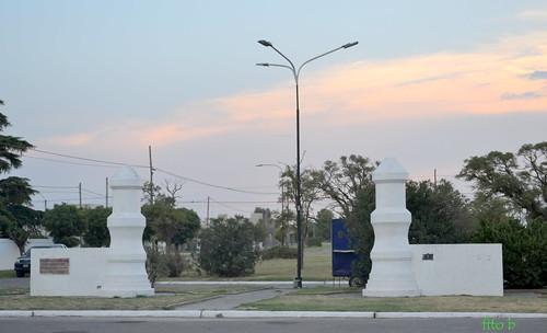 CARHUE: Pilastras
