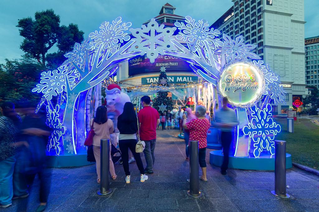 Отмечаем Новый Год в Сингапуре. Снег и свет.