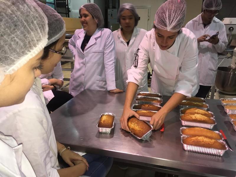 [06.11.2018] Aula prática de bolos com Joyce Galvão