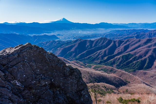 髭剃岩と富士山