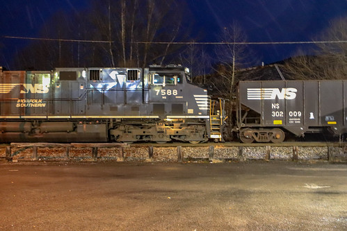 NS 7588 and a lone Coal car heading into the Andover Yard under light snowfall.
