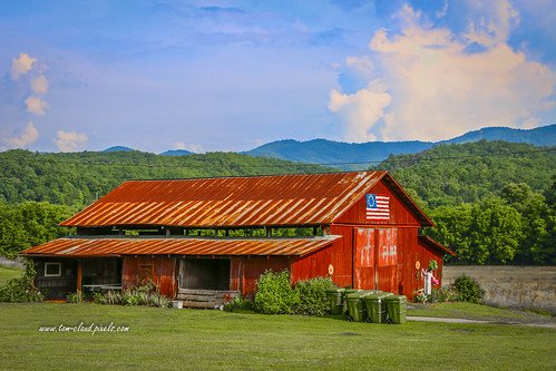barn building architecture red redbarn rurallandscape scenecountry outdoors sky bluesky clouds cloudy mountains mountainscene weather nature mothernature andrews northcarolina usa flag americanflag oldglory