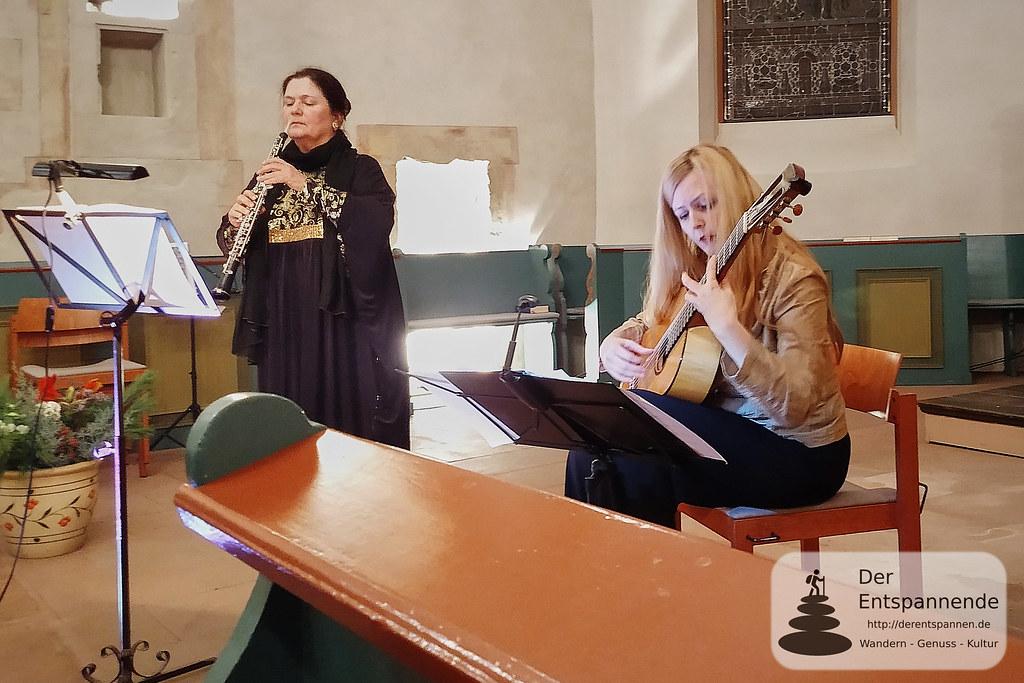 Petra Fluhr (Oboe), Heike Matthiesen (Gitarre)