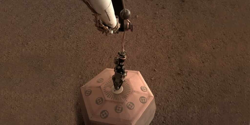 InSight : le sismomètre a été posé avec succès sur le sol de Mars