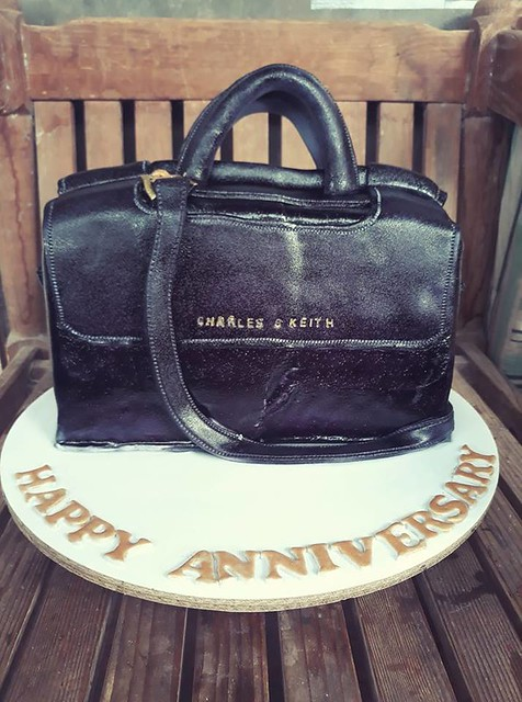 Handbag Cake by Ivy Emia Astoveza of Sweets Galore Cakes,Pastries and Other Sweets