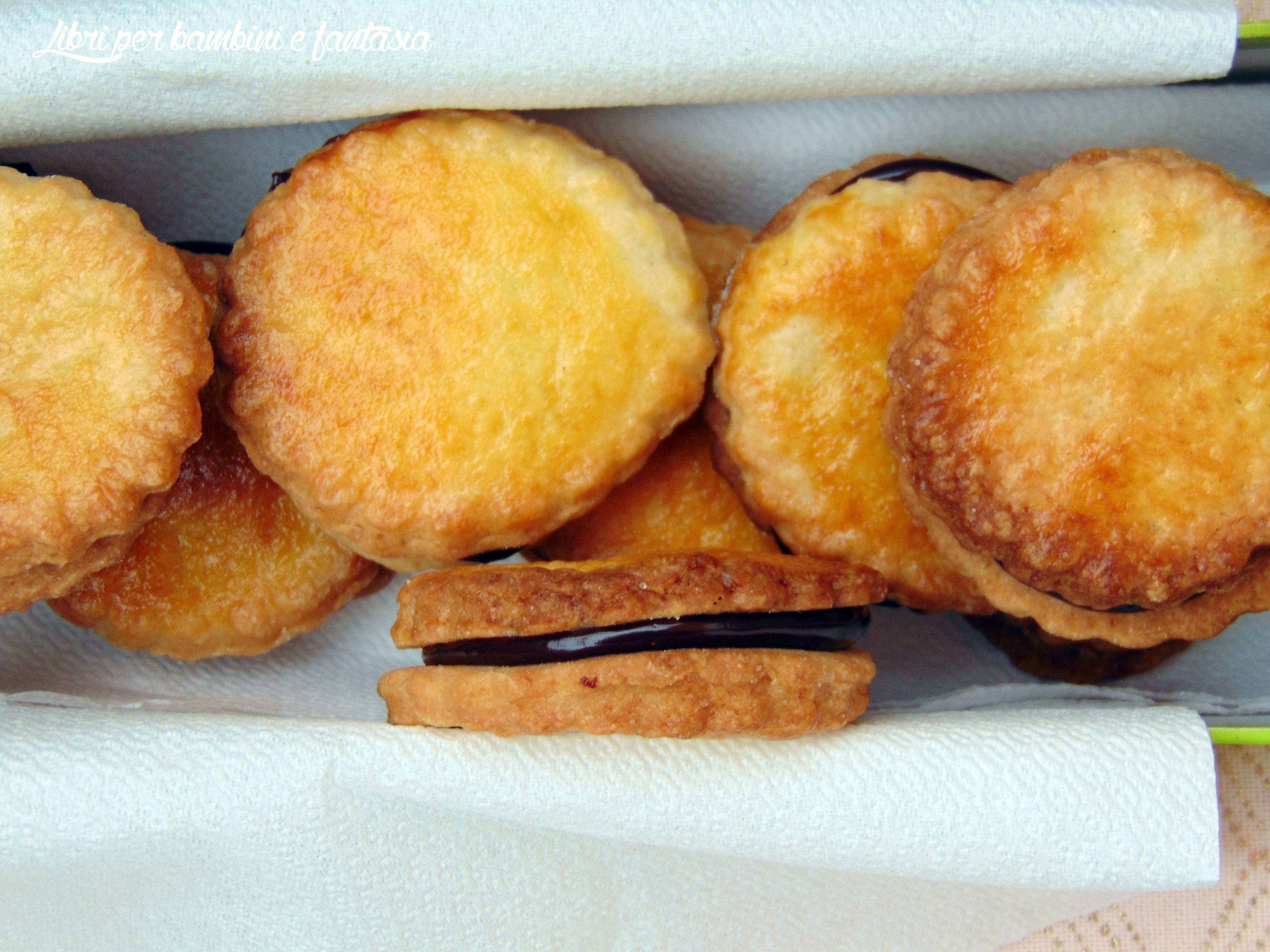 Biscotti Da Credenza Alice : Pensieri fuori dal coro: biscotti sottili croccanti con ganache al