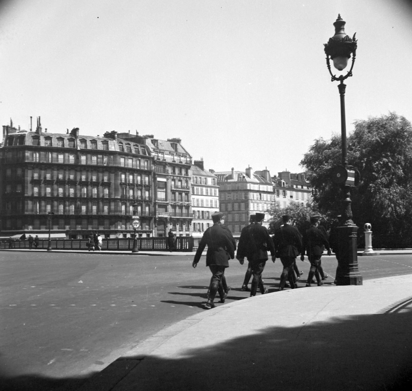 1939. Иль-де-ла-Сите, слева от моста Сент-Луис