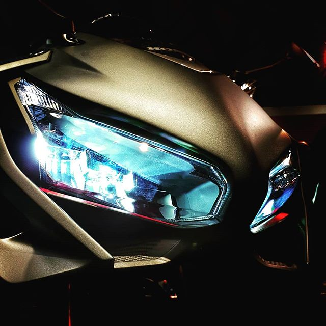 Blue eyes #eicma #eicma2018 #motorbike #abstract #blue #lights #fieramilano #colors #colorful #honda #igers #igersmilano #igersitalia #photooftheday #picoftheday