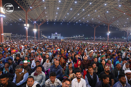 Huge gathering in the Samagam Pandal