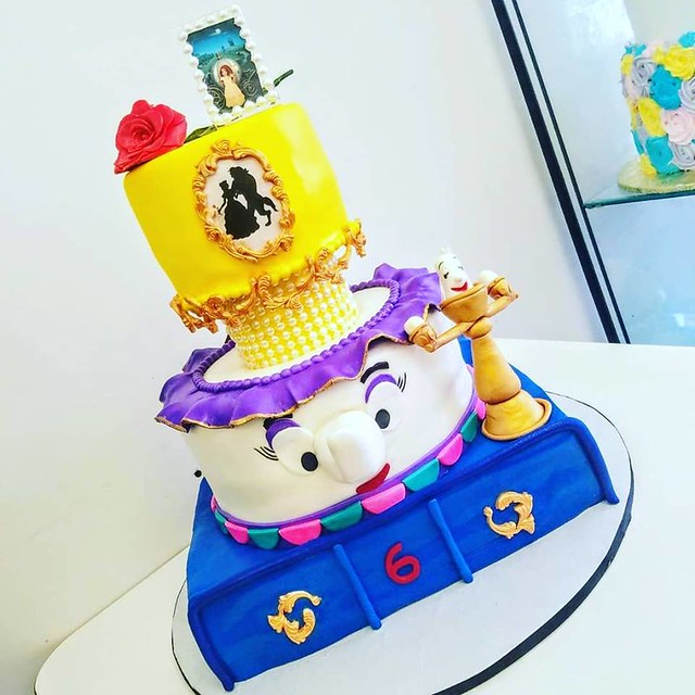 Cake by Dyelis Cakes & Events
