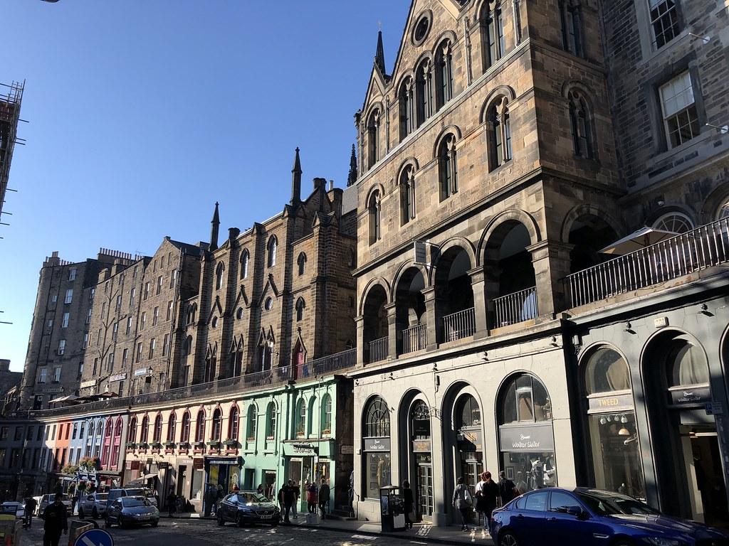 Victoria Street | One Day in Edinburgh