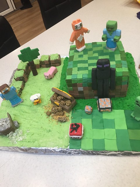 Minecraft Cake by Lisa Watts of Lisa's Cakes