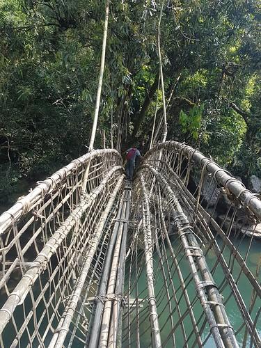mawlynnong-hike-bamboo-bridge