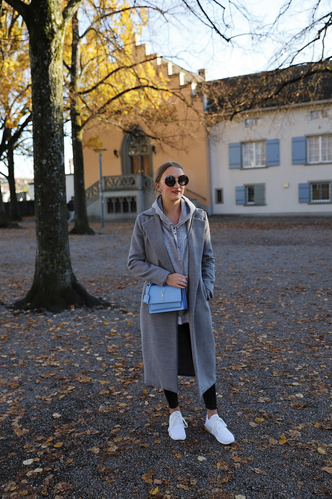 ysl-bag-and-sneakers-whole-outfit-front-wiebkembg