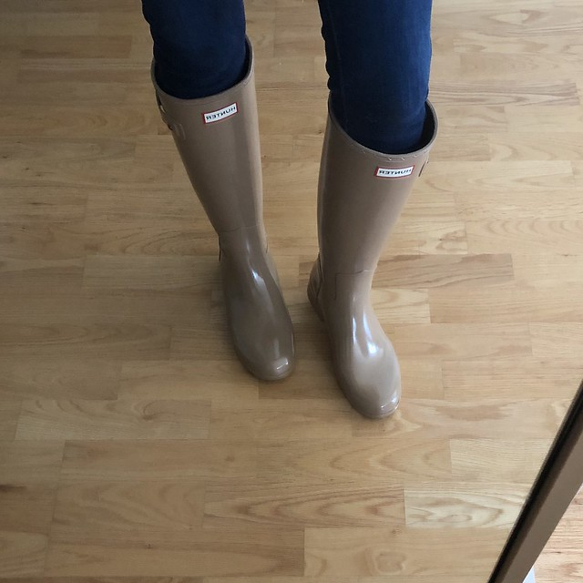 Hunter Womens Original Refined Gloss Rain Boots in Tawny (true to size)