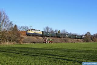 110 383 mit Ersatzzug mit Trecker