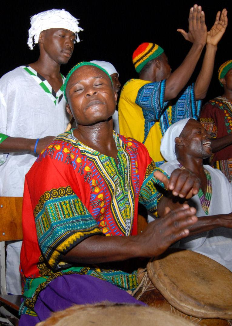 A drummer in Accra, Ghana, wearing a dashiki. Photo taken by Emilio Labrador on August 2, 2007.