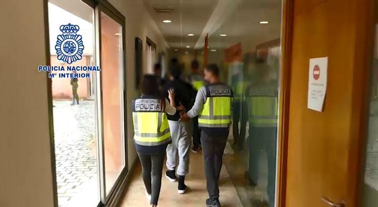 La Policía Nacional detiene en Algeciras a los dos conductores de la patera que naufragó en Barbate