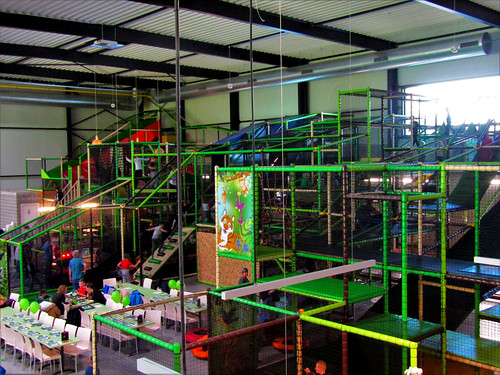 inside Tarzan en Jane Indoor Playground
