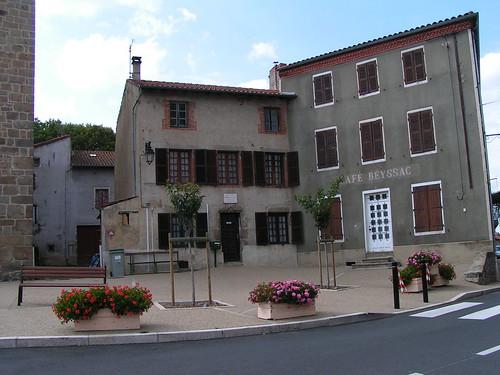 20080831 28839 1001 Jakobus St Jean Soleymieux Häuser Bank Platz