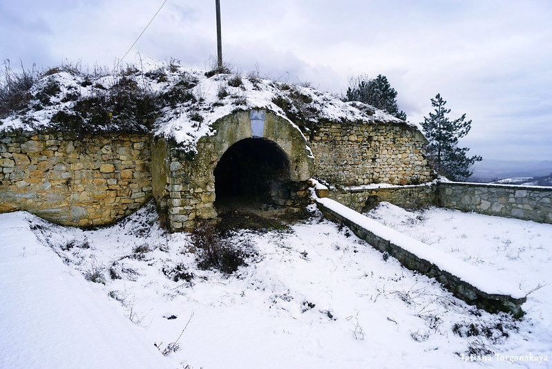 Одна из построек на территории крепости