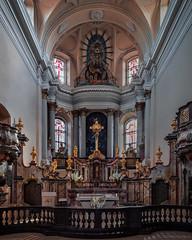 Интерьер костёла Всех Святых в Вильнюсе