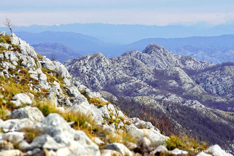 Вид на другие вершины с Одиево