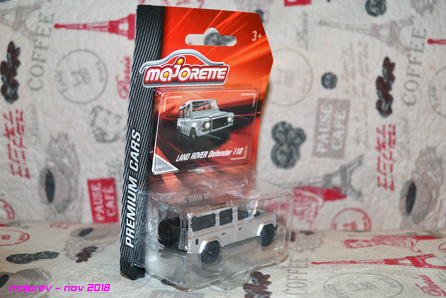 N°266B - Land Rover Dédender 110 44376485810_cd7e8df552_z