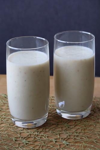Bananen-Buttermilch-Frühstücksshake