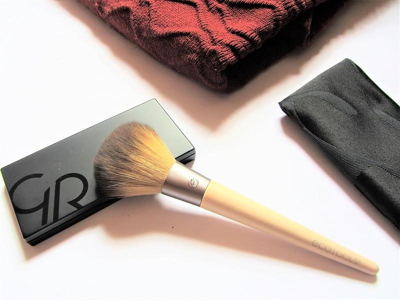 cookies-make-up-contour-powder-kit-thecityandbeauty.wordpress.com-blog-beaute-femme-IMG_1548 (3)