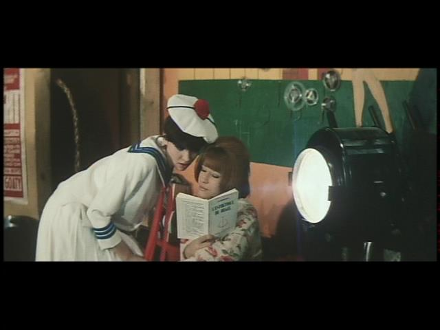 ジャンリュック・ゴダール監督、アンナ・カリーナ主演 「女は女である」1961年。