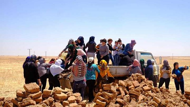 4840 Jinwar – A women only village in Syria where men are not allowed to enter 06