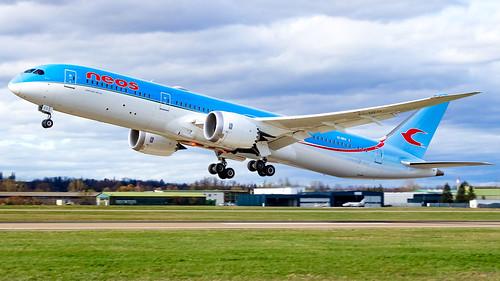 Boeing 787-9 Dreamliner EI-NEO Neos