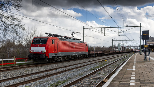 DBC 189 049 coming through Geldermalsen on it's way to Tata Steel Ijmuiden