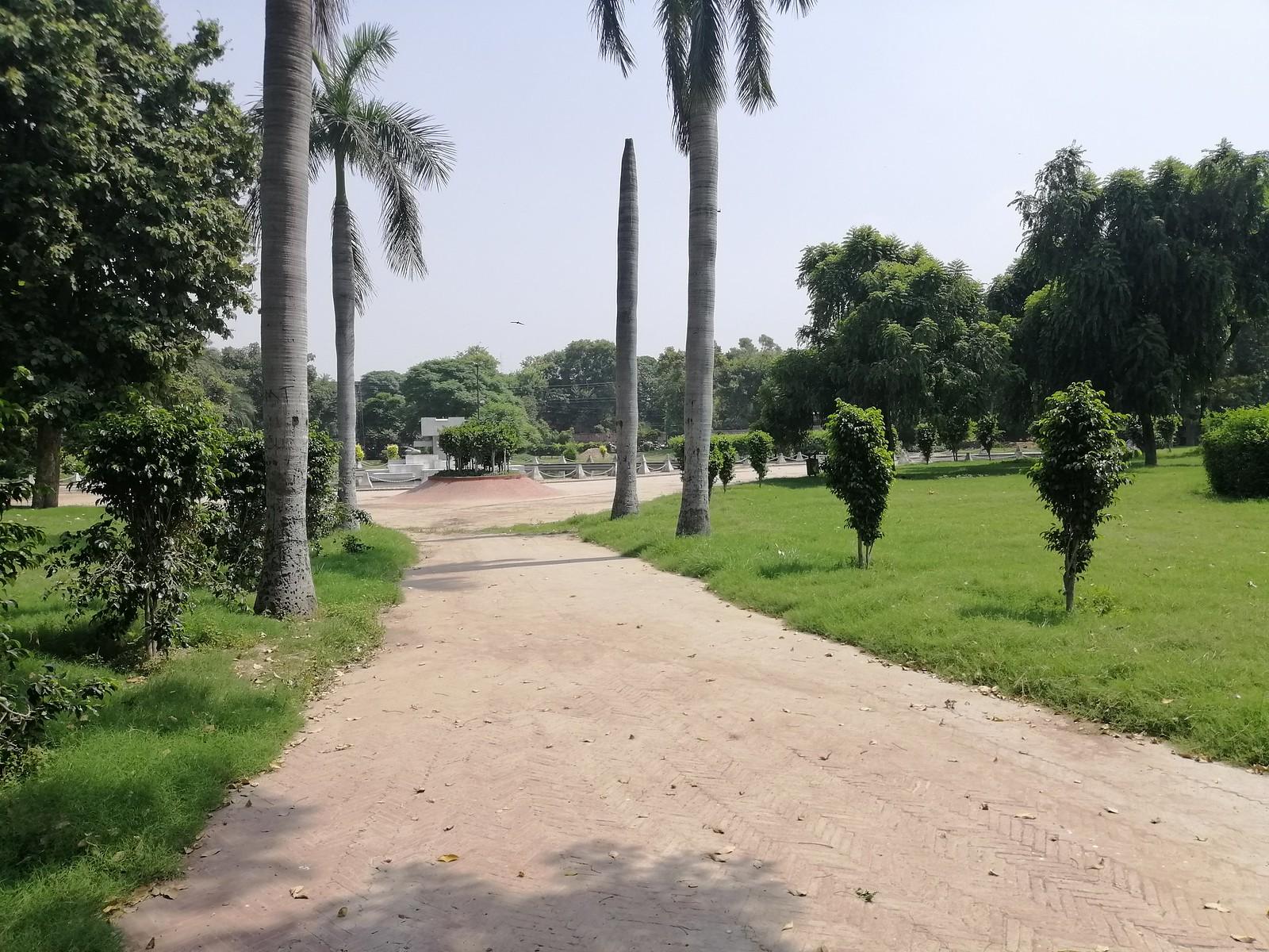 Park Picture with Auto Mode on Huawei Nova 3i