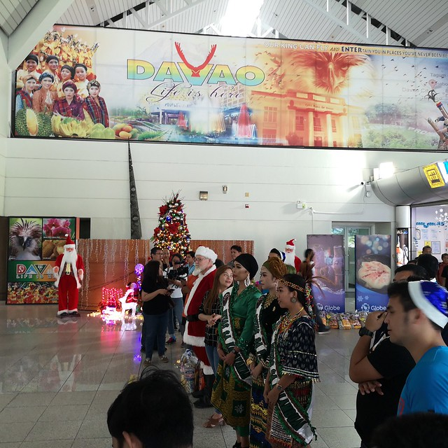 Globe Christmas Surprise Salubong of BalikBayans at the Francisco Bangoy International Airport IMG_20181218_162020