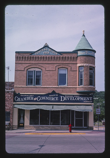 Central Block (Chamber of Commerce) (1901), Water Street, Decorah, Iowa (LOC)