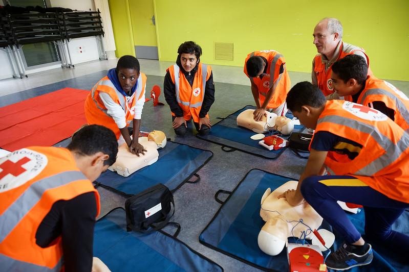 Signature d'une convention de partenariat entre la Croix Rouge et l'Éducation nationale